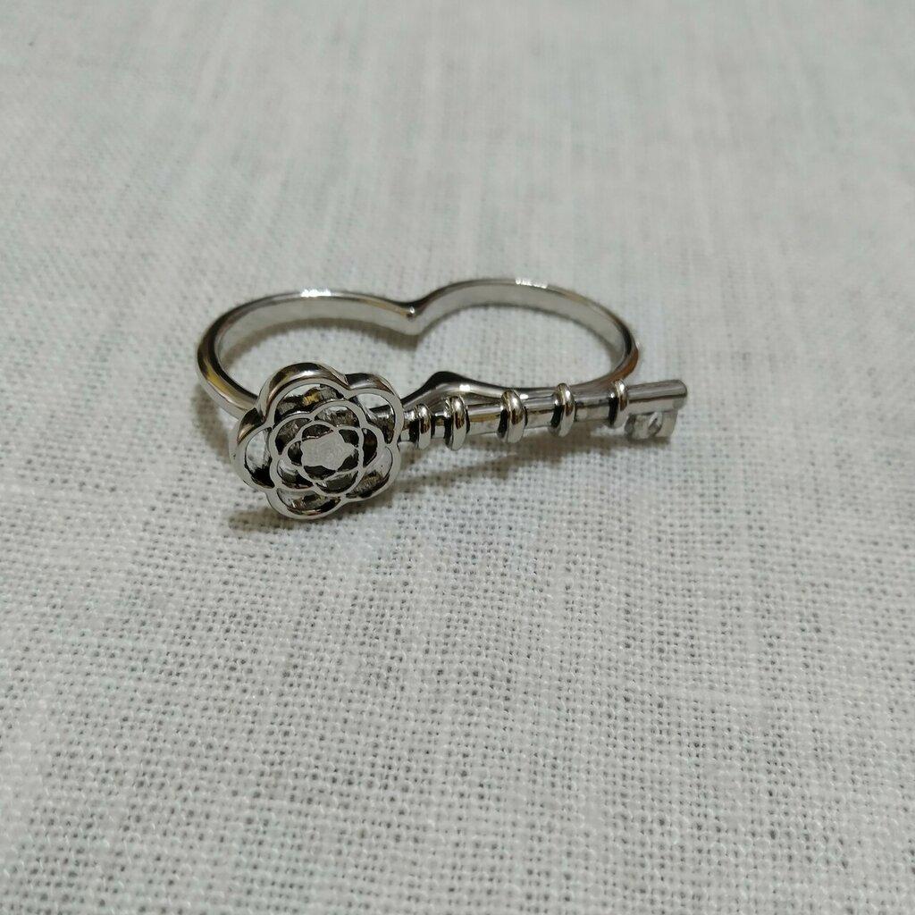 Anello a 2 dita, forma di chiave