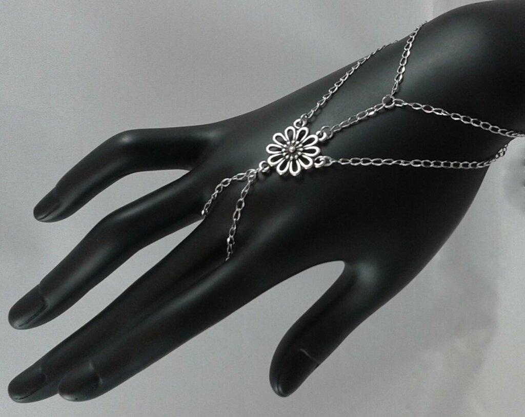 Romantico Braccialetto alla schiava con margherita, Gioiello per la mano