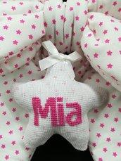 Fiocco nascita fatto a mano con ricamo personalizzato rosa
