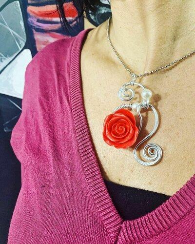 Ciondolo Wire Rosa Rossa