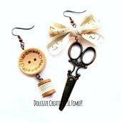 Orecchini forbici color rame, idea regalo sarta - sartoria - orecchini asimmetrici - bottoni handmade nastro , rocchetto cotone