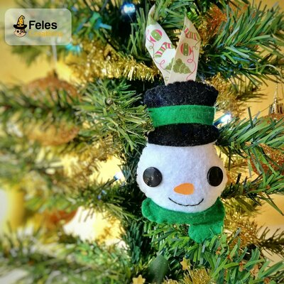 Decoro di Natale Pupazzyno Natalyno - decoro kawaii per albero, chiavi e borsa a forma di pupazzo di neve