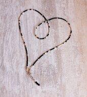 Girocollo sottile LOVE FOREVER di micro spinello nero e argento puro. Collana romantica di gemme nere con messaggio segreto personalizzabile