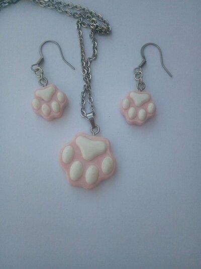 Collana con orecchini zampa di cane