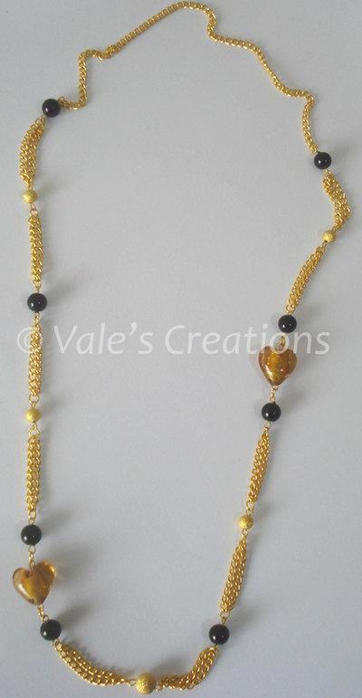 Collana color oro con cuori in vetro