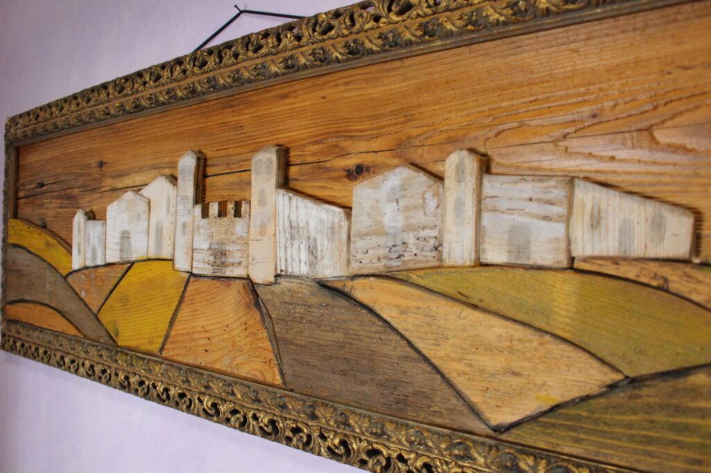 Paesaggio in legno con cornice antica