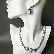 Collana lunga elegante con perle barocche di fiume color grigio, pendente con strass, regalo di Natale