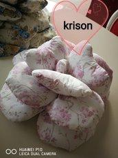 Cuscino a forma di rosa stile shabby