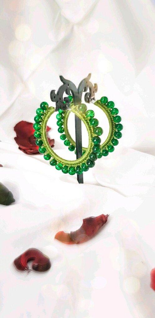 Orecchini a cerchio all'uncinetto color verde