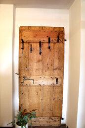 Appendiabiti in legno antico e ferro