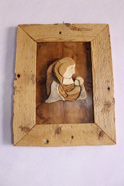 Madonna con Bambino, cornice in legno