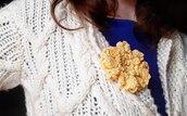 Spilla per abiti Fiorefermaglio in cotone color giallo pallido