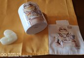 Tazza mug porcellana dipinto a mano con tovaglietta abbinata e cestino
