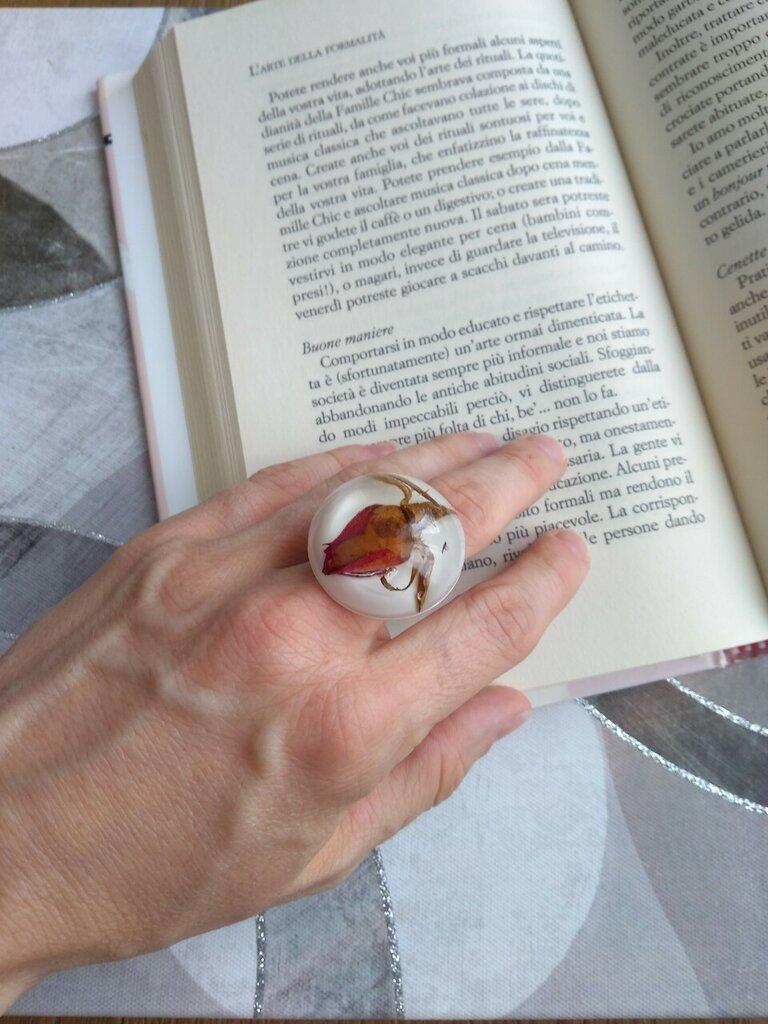 Anello rosa rossa anello donna anello resina ciondolo resina fiori veri fiori secchi anello regolabile