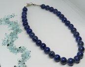 Collana girocollo corta con sfere di pietra naturale blu Lapislazzulo fatta a mano