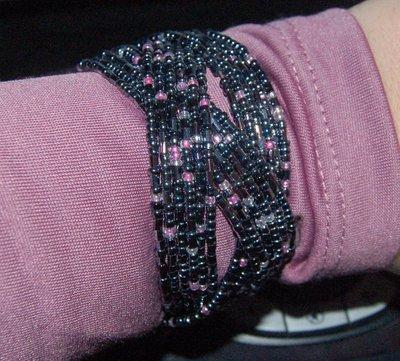 Bracciale Intreccio Grigio e punti rosa