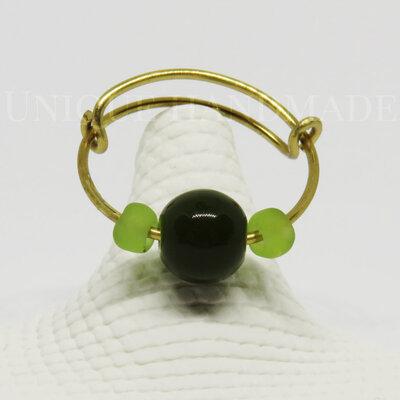 Anello con perla verde scuro