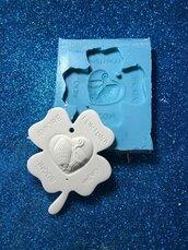 Stampo quadrifoglio cresima con scritta gioia, amore, sogni, fortuna in gomma siliconica professionale da colata