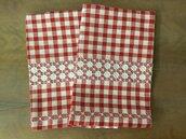 Set 2 strofinacci quadri rossi e bianchi