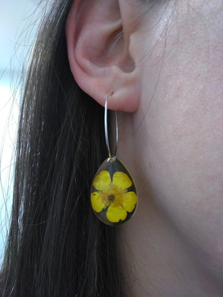 Orecchini fiori veri ciondolo resina ciondolo fatto a mano sfere botaniche ranuncolo giallo