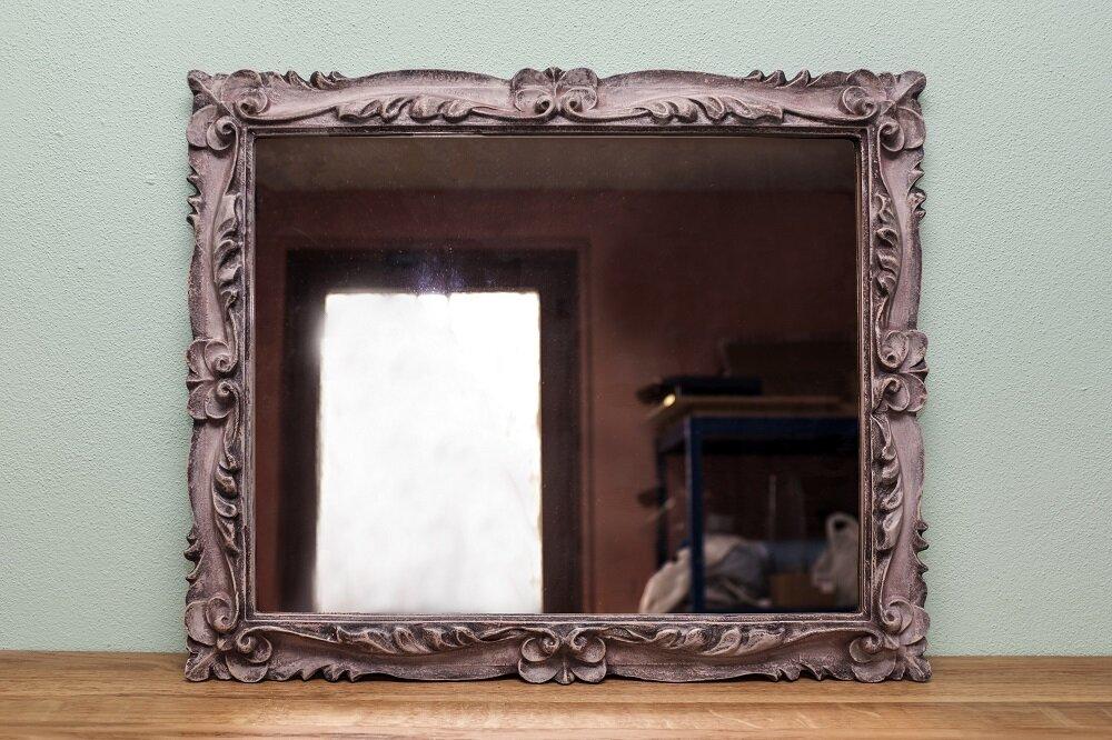 specchio retrò rosato