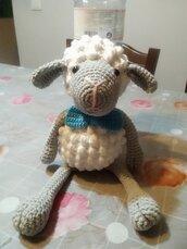 Pecorella amigurumi in cotone anallergico