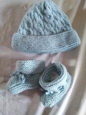 Completo cappello e scarpette neonato