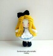 Bomboniera battesimo, comunione, cresima bimba bambolina portachiavi amigurumi Alice.