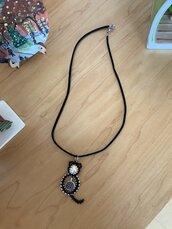 Ciondolo con collana in similpelle scamosciata - Gatto nero - Black cat - charm - swarovsky