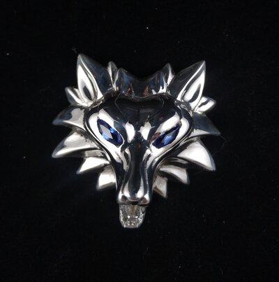 Originale medaglione di Geralt di Rivia in argento e zaffiri, scuola del lupo Cosplay