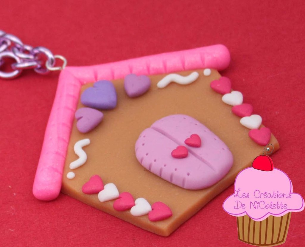 Collana gingerbread house rosa