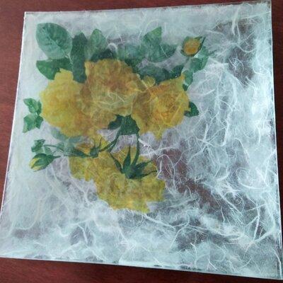 Piatto in vetro decorato a mano