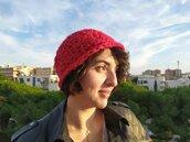 cappello a cloche da donna all'uncinetto in lana