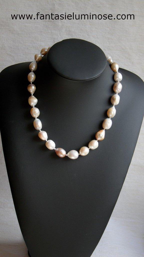girocollo perle di fiume scaramazze