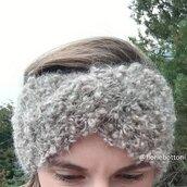 Fascia per la testa in morbida lana mohair bouclé color beige