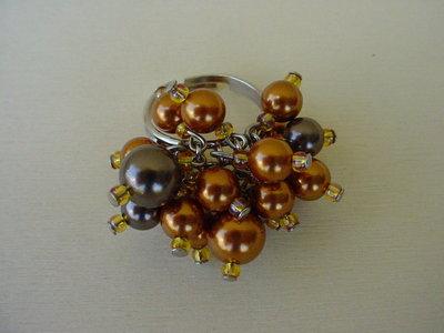 Anello perle toni marrone
