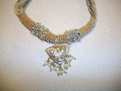 collana ciondolo indiano bianco/oro
