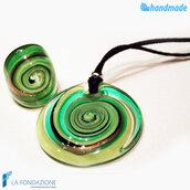 Parure Vertigo Verde con anello e pendente in vetro di Murano