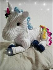 Unicorno amigurumi grande