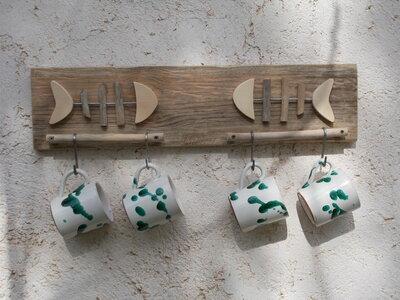 Appenditazze con legno di mare, appenditazze decorato con pesci, appendioggetti per la cucina