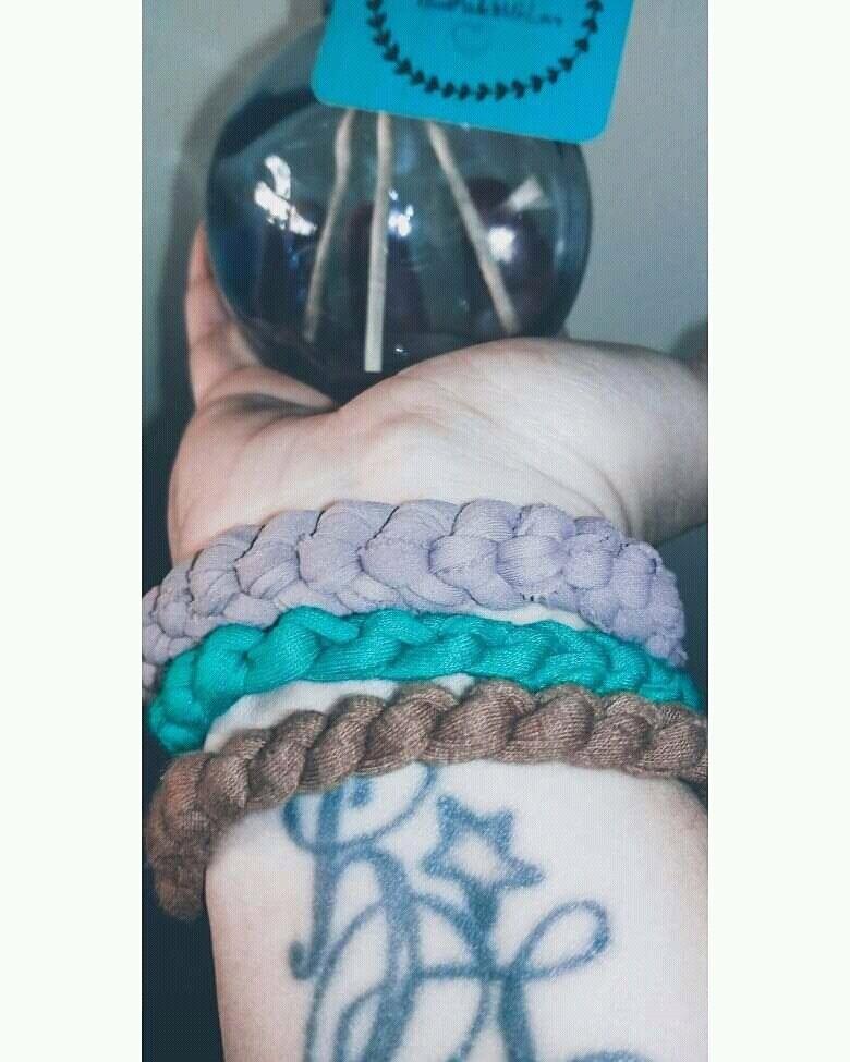 set tre braccialetti in fettuccia