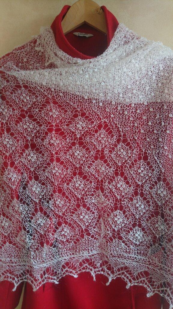 scialle ricamoto di lana, mantellina di lana, stola lana, mantello di lana, scialle, scielle di lana, scialle caldo, aggiornato, mantellina, lana di capra, colore blanco, sciarpa, un regalo per lei