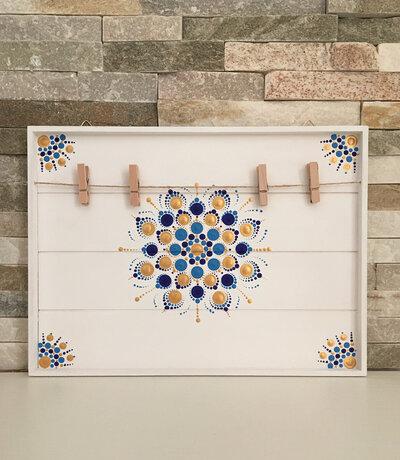 Cornice di legno porta appunti o foto decorata con mandala