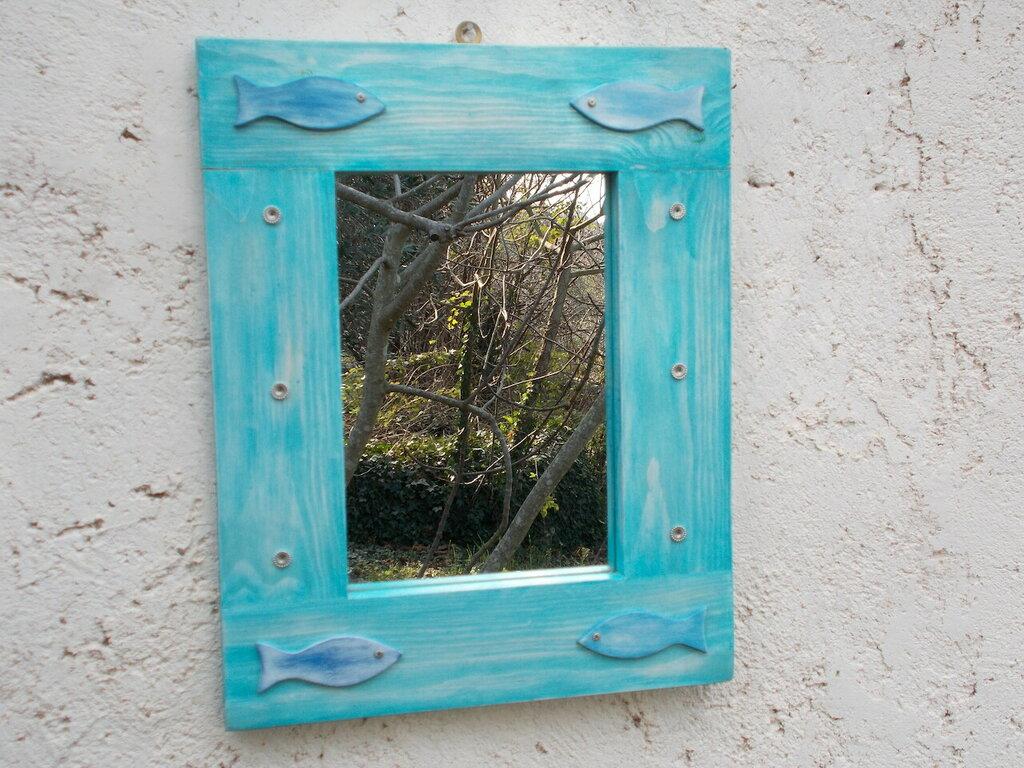 Specchio in legno, specchio in legno azzurro. Specchio con decori marini