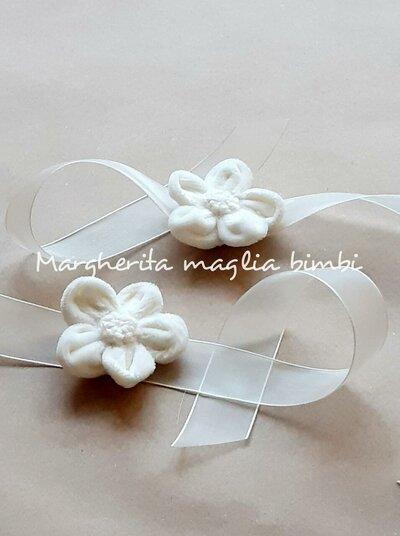 Bracciale/fiore in velluto per mamma/madrina coordinato con abito Battesimo bimba