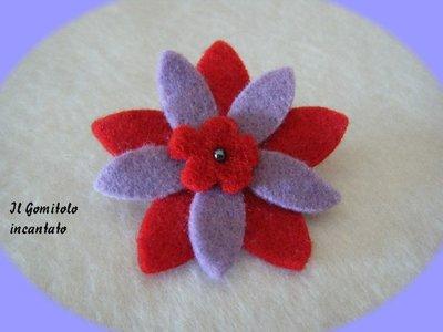 Spilla fiorellino feltro
