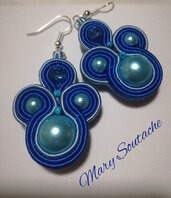 Orecchini Soutache con perle in azzurro