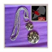 Collana  multifilo di perline colore argento con ciondolo degradè in tessuto fantasia