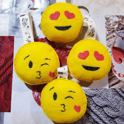 Portachiavi emoji in pannolenci