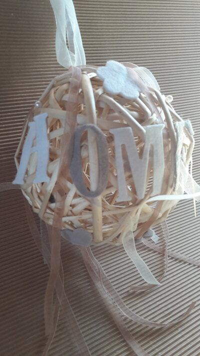 sfera in vimini fuori porta o decorazione per la casa
